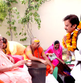 मंत्री श्री शुक्ल ने जगतगुरू शंकराचार्य श्री निश्चलानंद सरस्वती से लिया आशीर्वाद