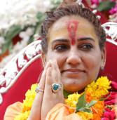 हिप्पियों की जीवनशैली जीती है शिवानी दुर्गा-सचिन शुक्ला और सौरभ शुक्ला देते हैं सहयोग
