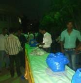 मप्र भाजयुमो अध्यक्ष पदभार ग्रहण में कार्य वाले कार्यकर्ता नदारद-निगम सफाई कर्मियों से बंटवाया गया भोजन